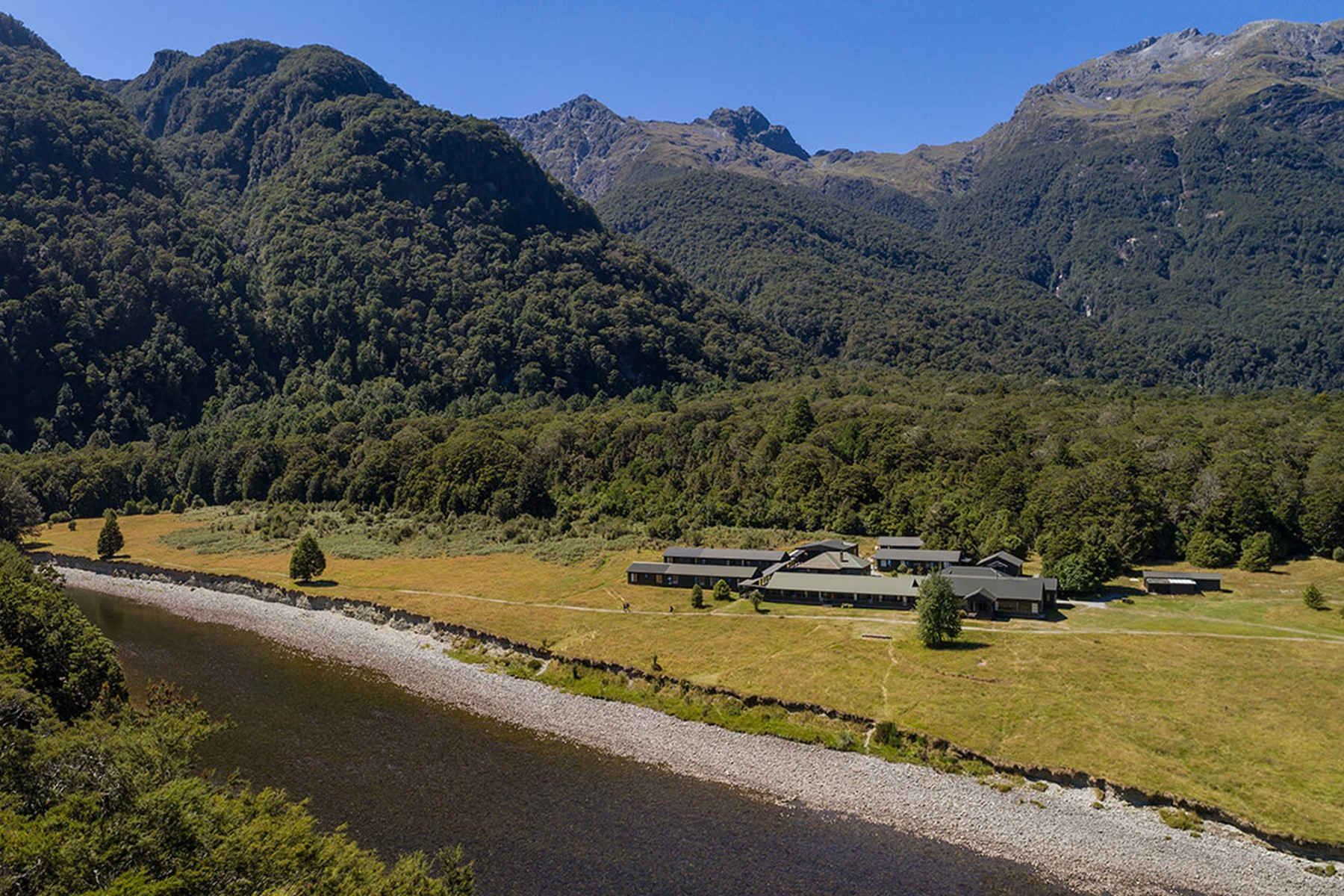 Across the river to Glade House on the Milford Track guided walk